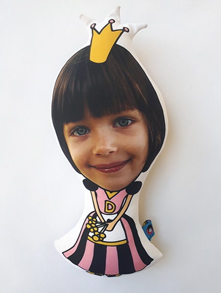 kid face kiralylany baba termek princess doll selfie